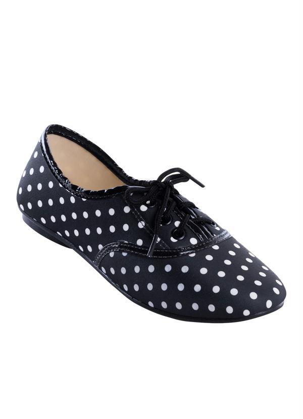12326bdf88 Perfecta - Sapato Oxford Preto com Estampa Poá - Perfecta