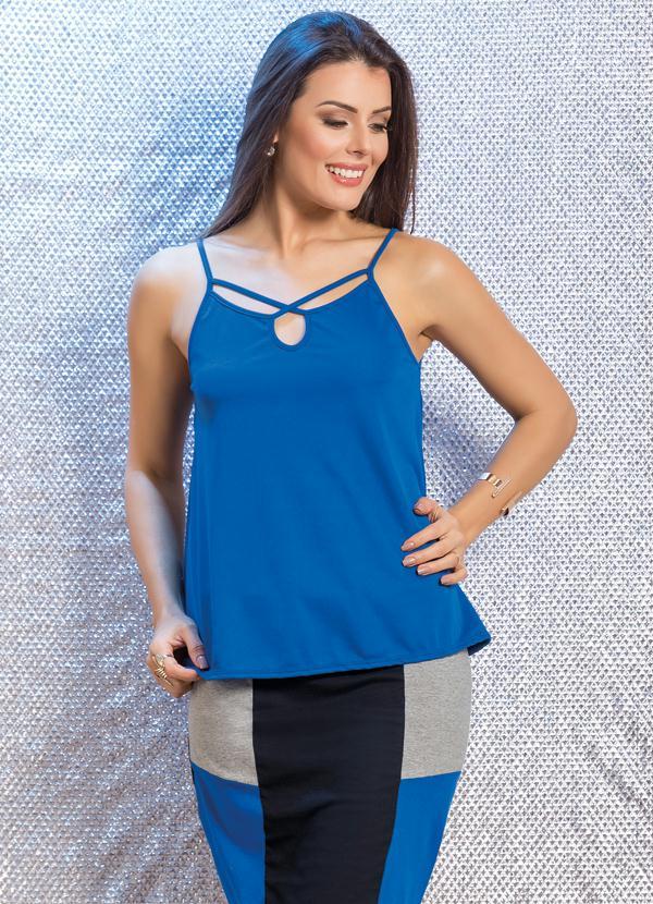430825693e Queima estoque - Blusa Azul de Alças Ampla com Tiras no Decote ...