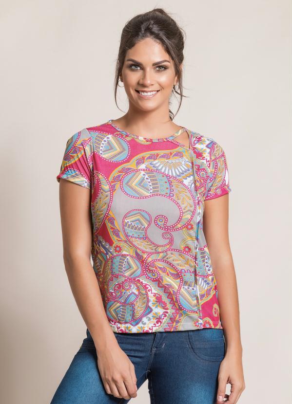 d3826d148e4 Queima estoque - Blusa Estampada com Detalhe no Decote e Friso