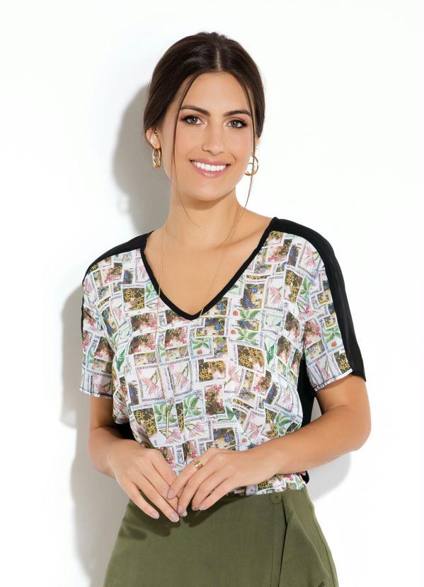 5f041b80f Quintess - Blusa Quintess Mangas Curtas Estampa de Selos - Quintess