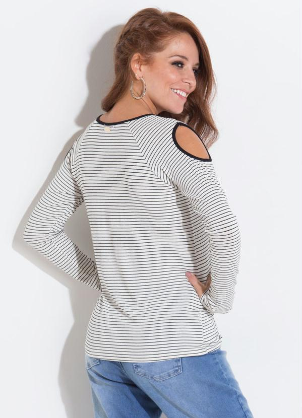 Quintess Outlet - Blusa Branca e Preta com Ombros Vazados Quintess ... 77eaf2d8a2f0e