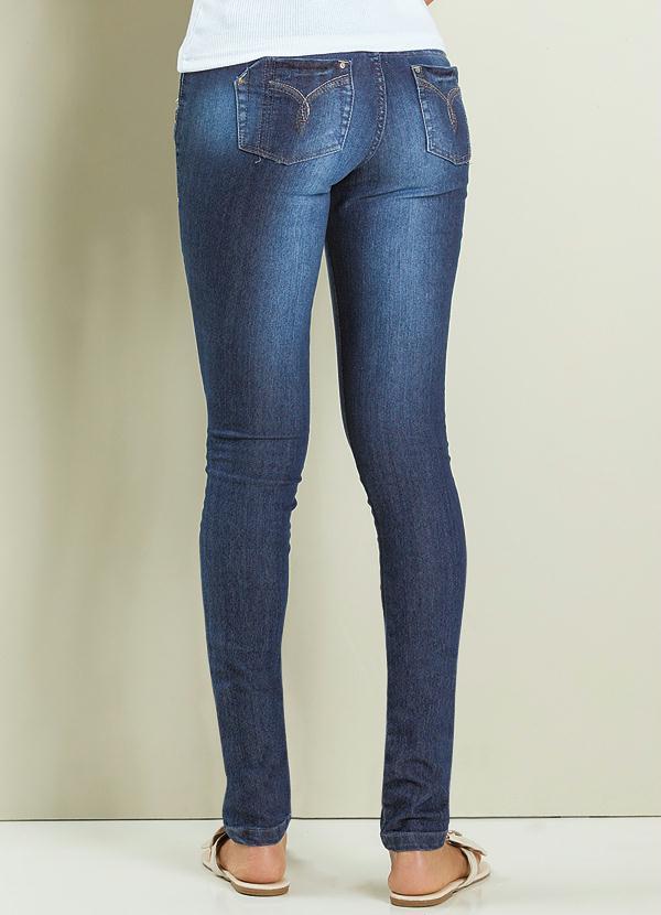 d365f60ee Janine - Calça Jeans Detalhes Spikes - Multimarcas