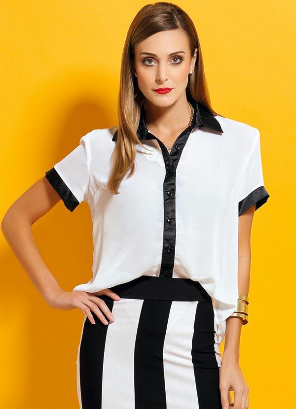 0d597309b0 Quintess - Camisa Chiffon Leve Transparência Preta e Branca - Quintess