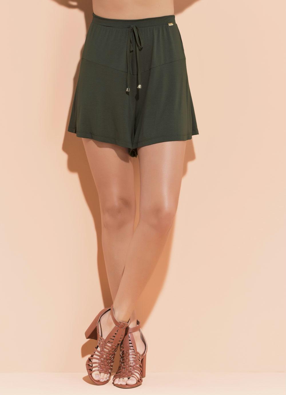 bef4d4999 Short Soltinho com Recorte Verde Musgo Quintess - Quintess