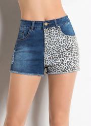Short Jeans Azul com Estampa de Onça