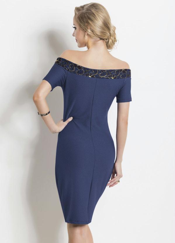 Vestido azul com detalhe dourado