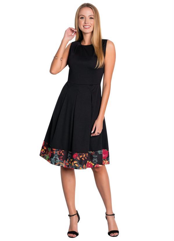 a2bc1a8b2 Rosalie - Vestido com Recorte Preto Moda Evangélica - Rosalie