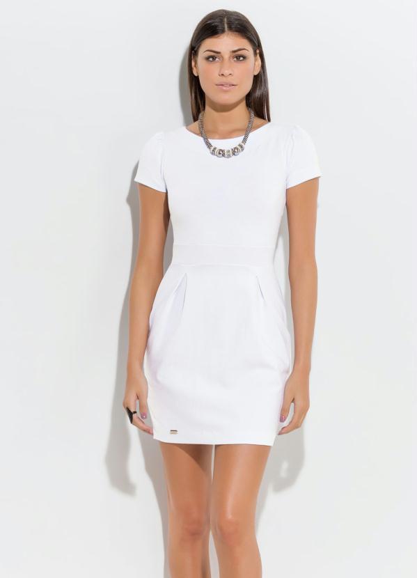 54efeb7cad Quintess - Vestido Curto com Detalhe de Pregas Branco - Quintess