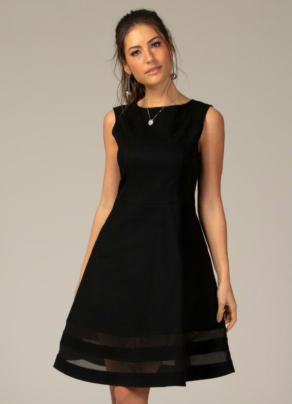 6767c3550da3a4 Quintess - Vestido Evasê com Transparência Preto Plus Size