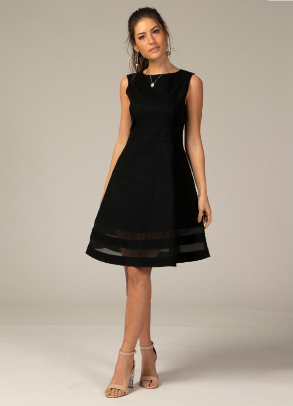 3e714ddea Quintess - Vestido Evasê com Transparência Preto Plus Size - Quintess