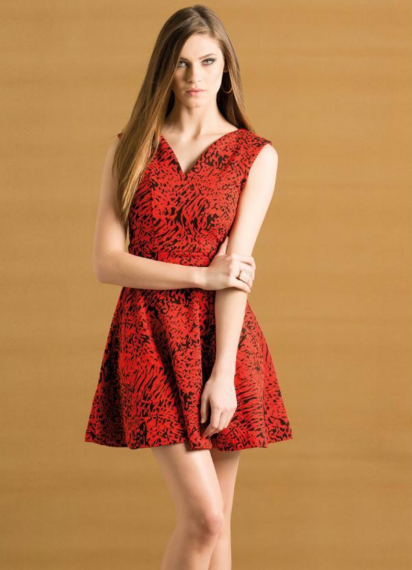 fa15471c92 Vestido Evasê Decote em V Estampado Laranja - Quintess