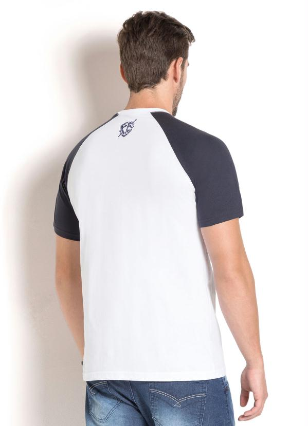 Queima de Estoque - Camiseta Branca Estampada com Mangas em Marinho ... d8648d8018e2a