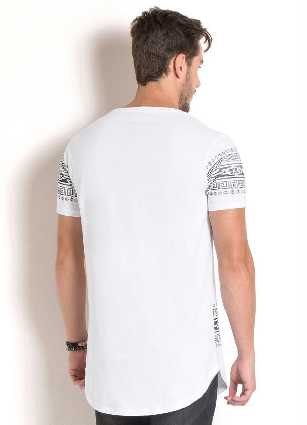 1e865336d1 Queima estoque - Camiseta Longline Branca Estampa Étnica - Queima de ...