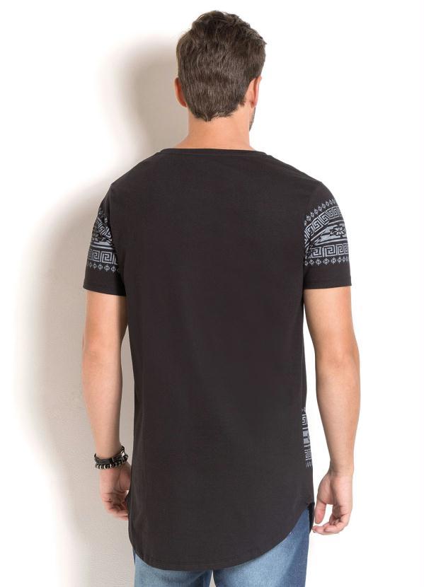 24c34ccfe1 Queima estoque - Camiseta Longline Preta com Estampa Fé e Étnica ...