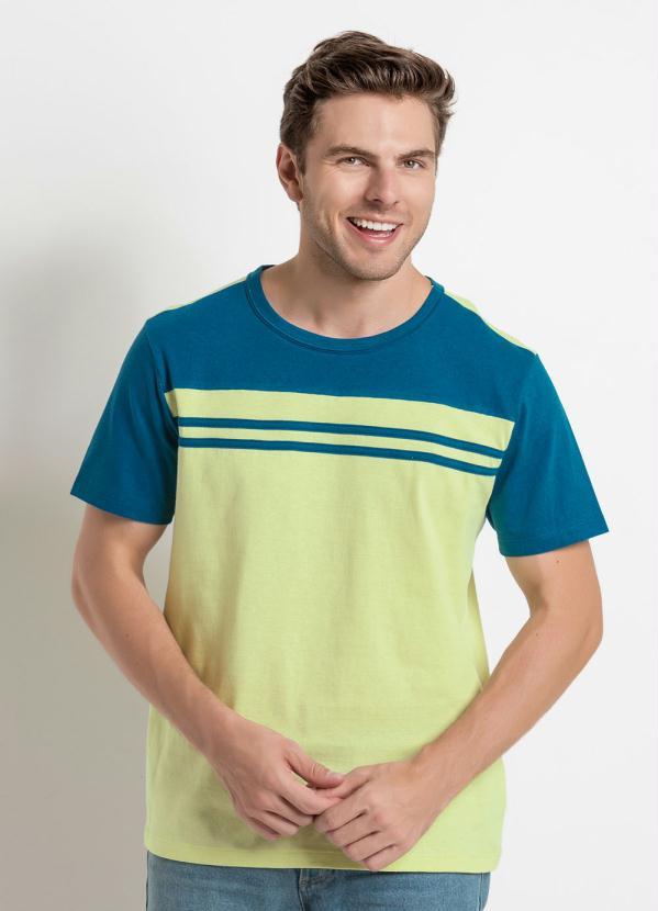f0b40c681 Queima de Estoque - Camiseta Verde e Azul com Detalhe de Friso ...