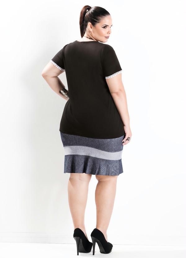 899d54b7e1 Marguerite - Blusa com Aplique Renda Guipir Preta Plus Size - Marguerite