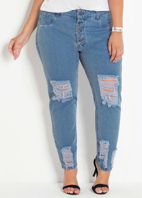 fc9ea9b44cf4 Marguerite - Calça Jeans Claro Boyfriend com Rasgos Plus Size ...