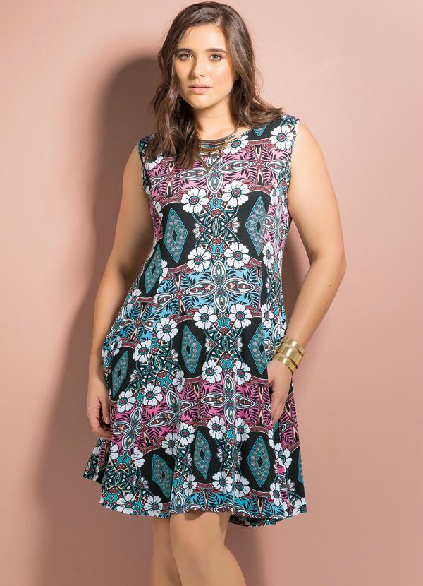 5f86b0ceb Quintess - Vestido Evasê Redondo Étnico Floral Plus Size - Quintess