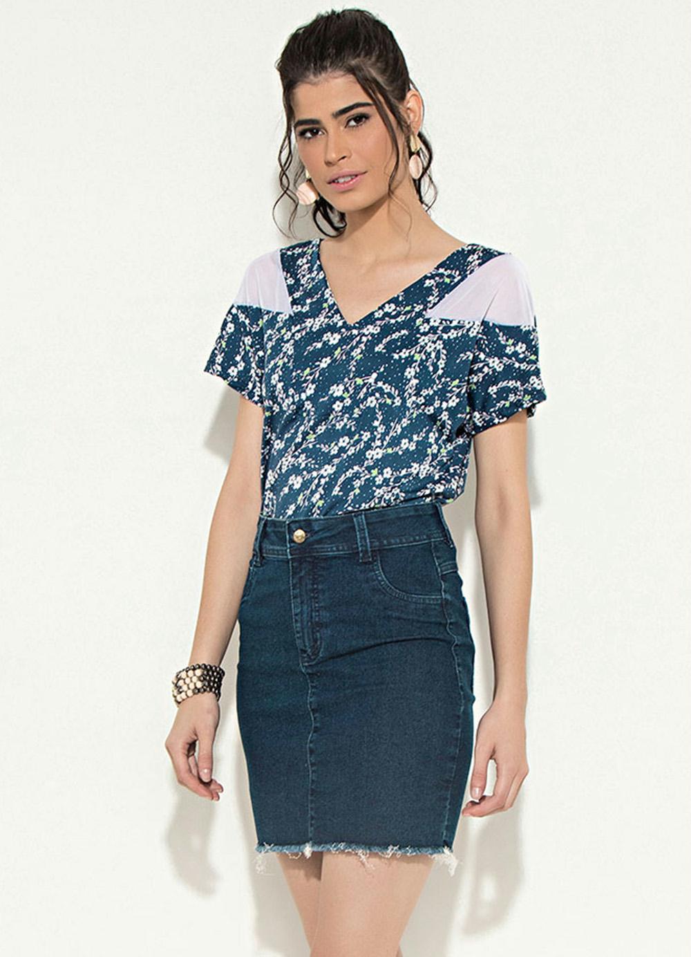 91e38c71e7 Blusa com Tule Floral Azul Quintess - Quintess