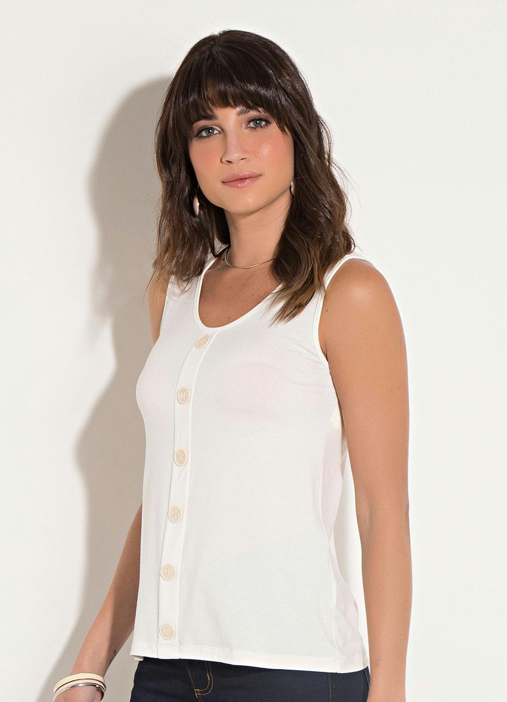 ca337d256 Blusa Quintess Off White com Botões Decorativos - Quintess
