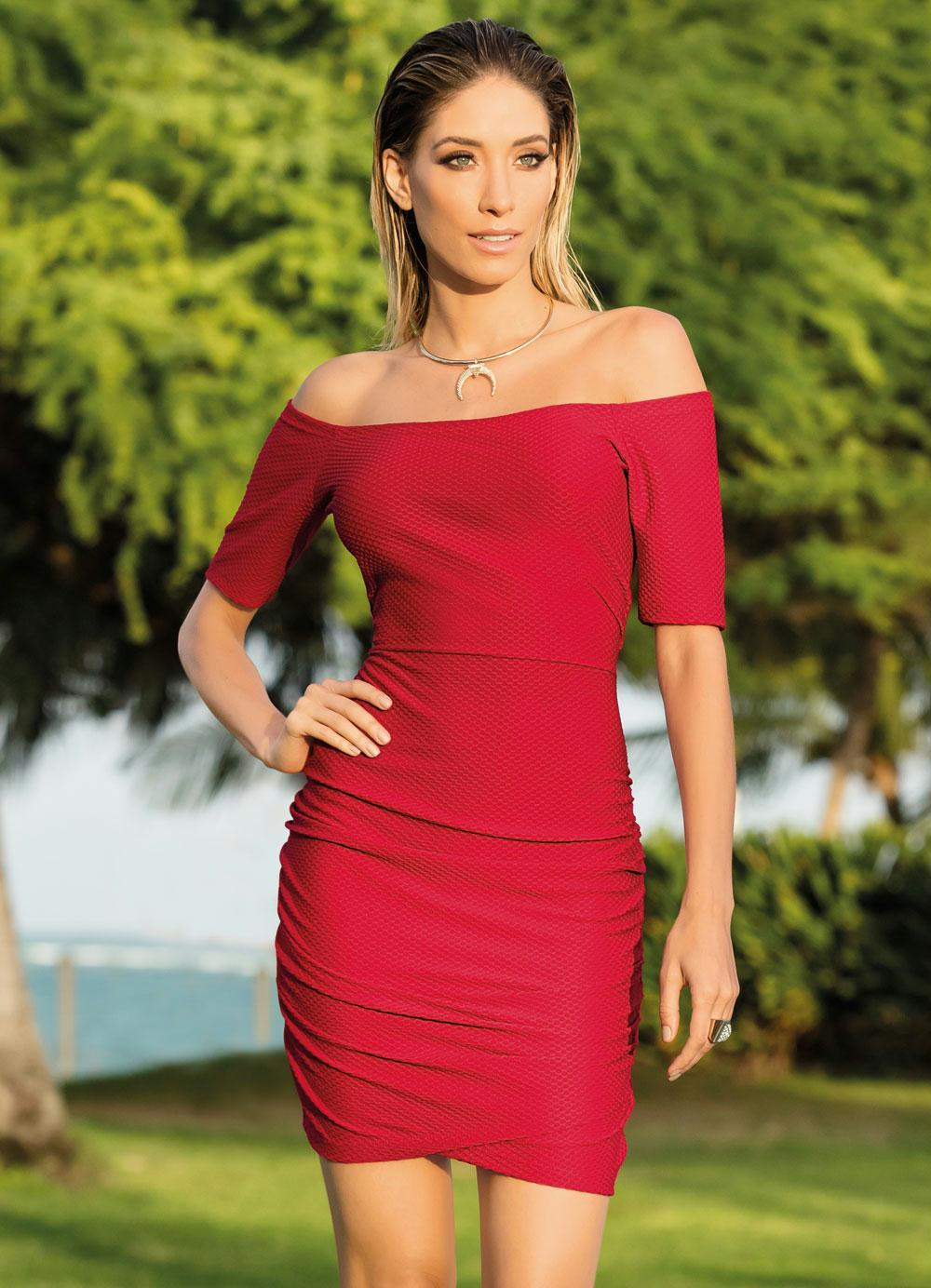 b13fb322a Vestido Quintess Vermelho Decote Ombro a Ombro - Quintess