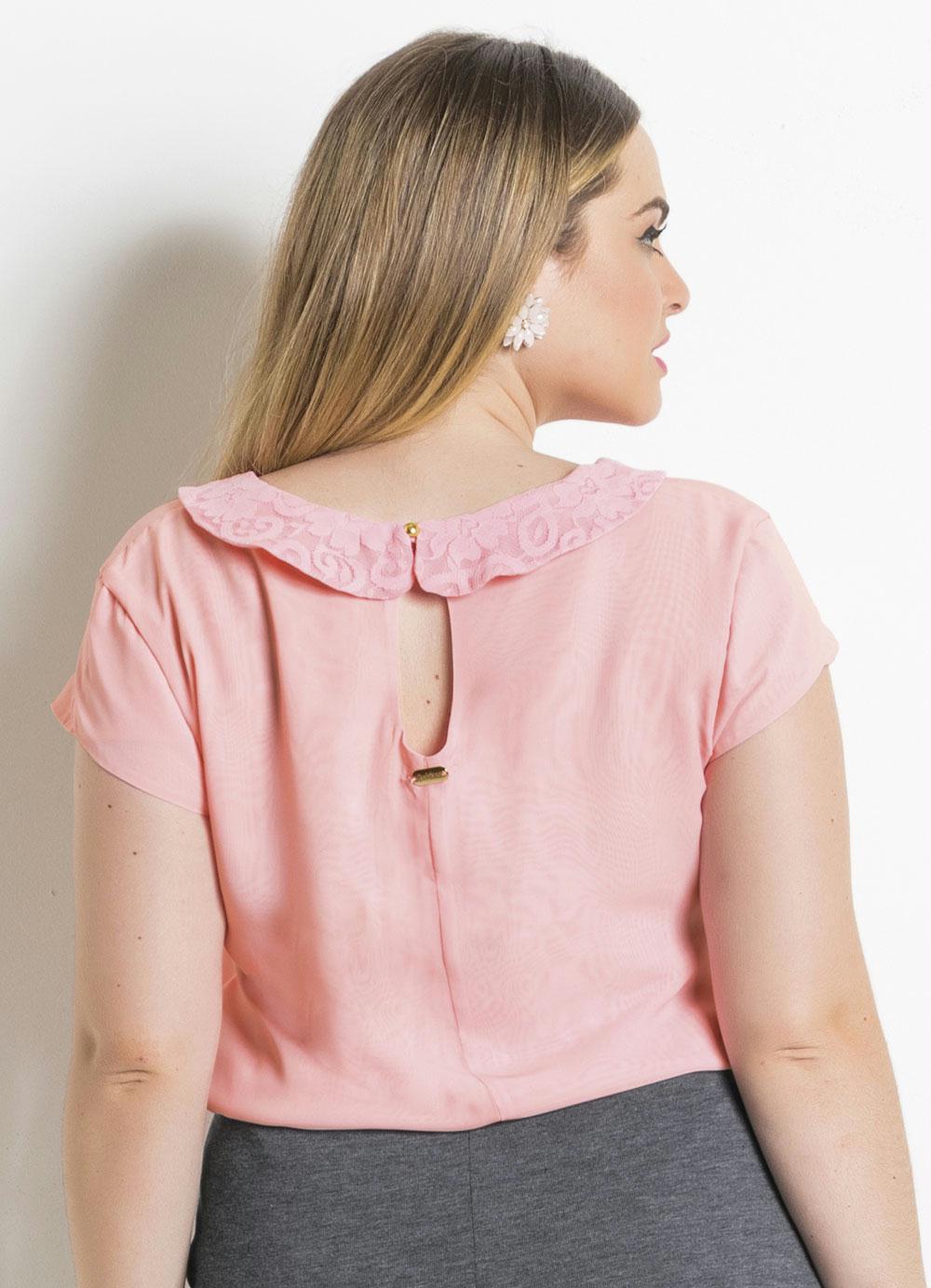 1c5c2fa903 Blusa Rosa Gola Peter Pan Plus Size Quintess - Quintess