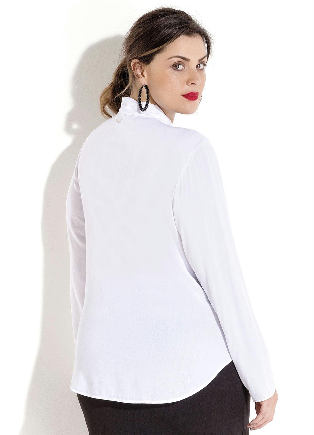 6c4e31cad0 Blusa Branca com Renda e Amarração Plus Size - Quintess