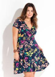 811589c12 Vestido Transpassado Floral Plus Size Quintess